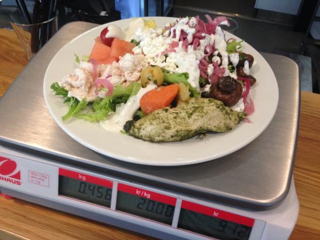 Ninan salaatti painoi 456 grammaaIMG_0054