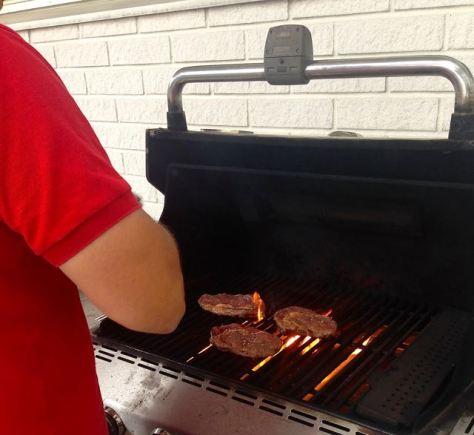"""Grillin tulee olla tulikuuma """"anteroita"""" grillatessa."""