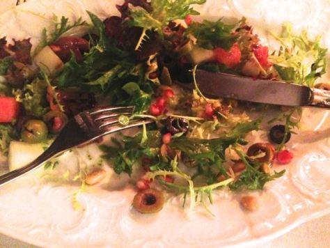 Salaatti hupeni vauhdilla.