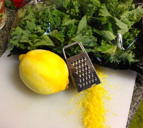 Llehtikaalisitruunapastaan tulee lehtikaalia ja sitruunaa