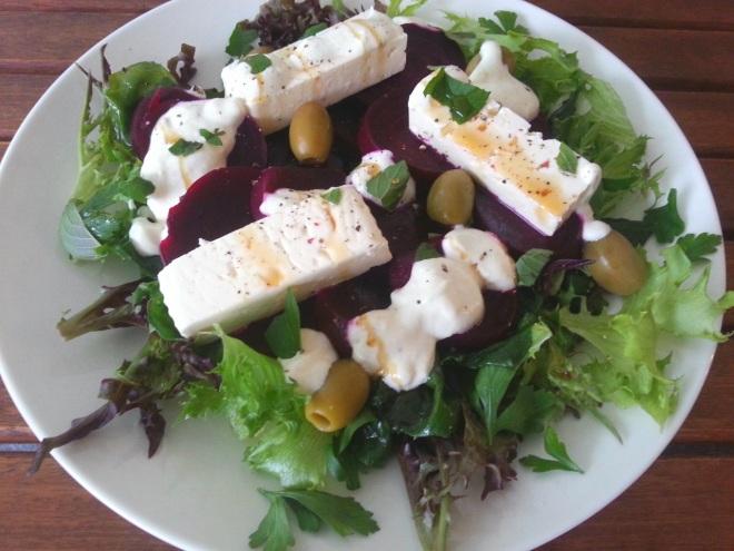 Ppunafeta-salaatti