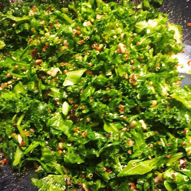 Salaatti nro 68 – Rucola-lehtikaali-salaatti