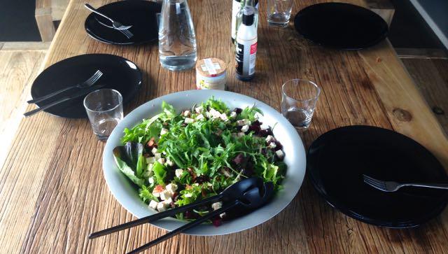 Salaatti nro 100 – Helenan punajuuri-feta-pekoni-salaatti